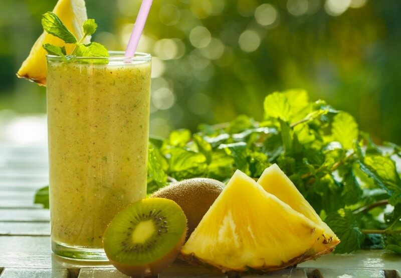 Kiwi and Pineapple Smoothie
